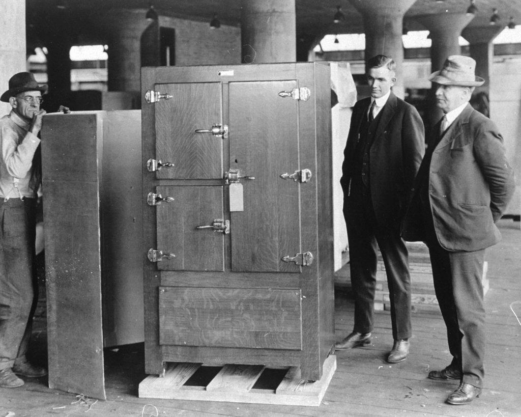 , История возникновения холодильника. Эволюция ящика со льдом